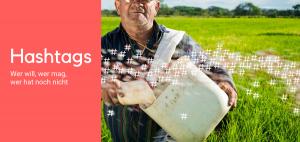 """Das Bild zeigt eine Fotomontage von einem Mann """"Hashtags"""" auf einem Feld ausstreut"""